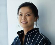 榮倉奈々、第2子出産後初の近影公開「産んだとは思えないスタイル」「この細さは神」