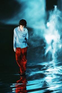 米津玄師、幻想的な新ビジュアル公開 新曲「Pale Blue」は『リコカツ』初回で解禁