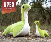 売り切れ必至? 人気ゲーム『Apex』のネッシーがメガサイズのぬいぐるみになって登場