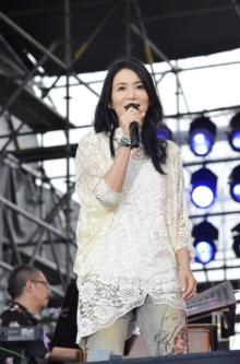 竹内まりや、未公開6曲分追加のライブ映像『LIVE Turntable Plus』5・29配信