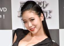 紅蘭、妹・草刈麻有&長女との3ショット公開「美人姉妹すぎ」「ベビたんもかわいい」
