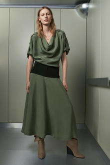 【ZARA】ミリタリーテイストの要素を取り入れた人気コレクション「Zara SRPLS」。2021年春の新作が登場