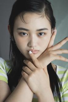 櫻坂46山崎天『ViVi』専属モデル新加入 サプライズ発表に感激 坂道グループから初