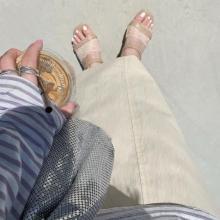 靴ズレやムレ…サンダルのお悩みとはこれでオサラバ。いま話題のTabio「パーツソックス」は夏の救世主でした