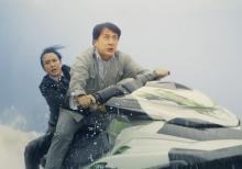 新たなるジャッキー伝説、激流であわや… 命がけ水上バイクシーン解禁