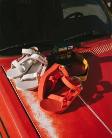 ノスタルジックなデザインがエモい。Teva×Polaroidのコラボサンダルが今夏の大本命スポサンになりそうです