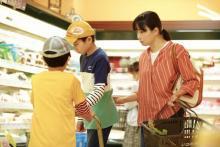映画『明日の食卓』菅野美穂のゲンコツが子役を直撃した本編シーン