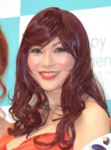 叶美香『バイオハザード』ドミトレスク再現 「叶姉妹の為にあるようなコスプレ」とファン歓喜