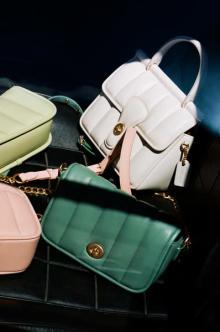 ぷくぷくキルティングに胸きゅん。COACHの新作バッグ「キルティーズ」がかわいすぎるって知ってた?