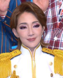 紅ゆずる、宝塚退団後初舞台は喜劇 軍服姿もわずかなAラインで「ここで女性を出したい」