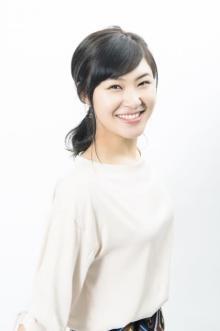 村上佳菜子、ホリプロに所属「いろんなことに挑戦したい」 こじるりが事務所を紹介