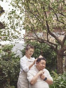 加賀まりこ、54年ぶりの主演映画『梅切らぬバカ』公開決定 初共演の塚地武雅と親子役