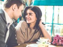 男性が「かわいいなあ」と感じる、女性が笑ったときの仕草4選