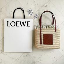 夏の推しバッグを見つけてしまった…LOEWEのスクエア型「バスケットバッグ」の洗練されたデザインに一目惚れ
