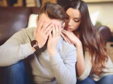 人知れず使っているかも…男性が重荷に感じる愛情表現って?