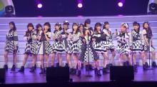"""""""62歳""""久本雅美、AKB48メンバー加入熱望 「ヘビロテ」全力披露で沸かす"""