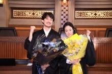 月9『イチケイのカラス』撮了 竹野内豊&黒木華が感謝のスピーチ「すばらしい作品に参加できた」