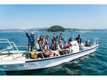養殖漁場見学&魚介と南三陸ワインのマリアージュ体験!「志津川湾R&Bクルーズ」誕生