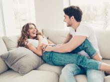 男性がお家デートのとき、じつは「してもらいたいこと」3選