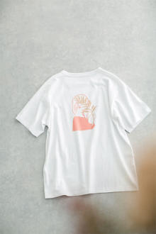ナノ・ユニバースが人気イラストレーターとコラボ。淡い色彩×手描きイラストが入ったアイテムおしゃれなんです
