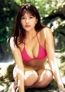 「ミスマガ」グランプリ・新井遥、最新グラビアで8頭身の圧巻ビキニ披露 重大発表も