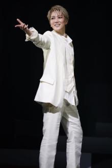 七海ひろき主演舞台『ROSSO』開幕「無事に初日を迎えられることは本当に奇跡」