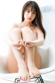 『美少女図鑑AWARD』6冠の逸材・佐藤祐羅、グラビアデビューで人生初ビキニ「楽しく撮影に臨めました」