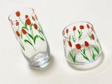 レトロ感のあるかわいいイラストがツボ…。スリーコインズの韓国っぽ「チューリップグラス」が話題です