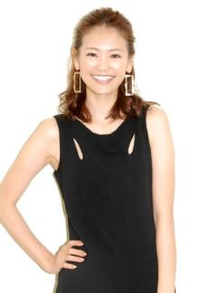 モデル葛岡碧、元Jリーガー千葉直樹との離婚を報告「新しい人生と向き合い前に進んで参ります」