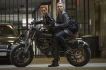 """マーベル映画『ブラック・ウィドウ』ついに劇場公開、見どころは""""姉妹愛"""""""