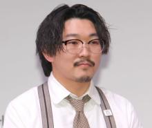 """オズワルド伊藤、10年前""""眉なし""""写真「別人笑笑」「こ、こ、こわい…」「ラグビーの稲垣さんに少し似ている気が」"""