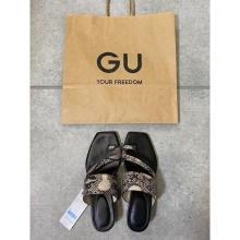 【GU】モードなデザインで履きやすさ抜群ってズルすぎ。サムループヒールサンダルは完売する前にチェック!
