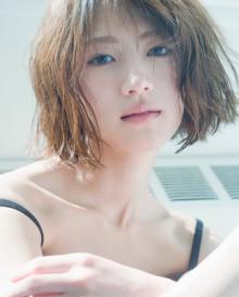 """若月佑美、写真集表紙は""""かっこいい&かわいい""""いいとこ取り 全3種類&特典カット一挙公開"""