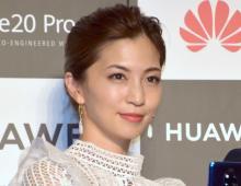 """安田美沙子、""""すっぴん""""披露で驚く声「相変わらず綺麗」 我が子と2ショット"""