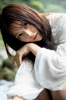 """白間美瑠、NMB48卒業記念「写真集」3位 """"難波のグラビアクイーン""""が美ボディ大胆披露"""