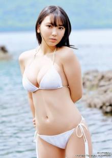 沢口愛華、最強BODYで魅せるオトナの新境地 上京&新事務所決定でさらに輝く
