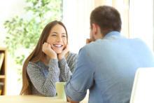 好きな人との距離が縮まる!男性と楽しく会話するためのコツ4つ