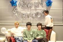 鈴木仁、おすすめ漫画は『よつばと!』 22歳の誕生会に兵頭功海、松岡広大、渡邊圭祐が祝福