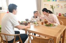 『セイバー』バスター・尾上亮の妻が本編に初登場 青春時代&新婚時代を描いたスピンオフ漫画が無料公開