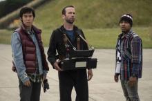 『ワイルド・スピード』最新作、相変わらず車いじりが大好きな3人が登場