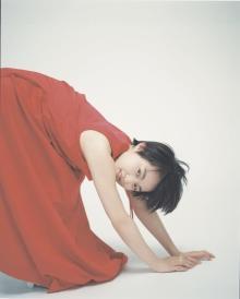 伊藤万理華、独創的グラビアで自由気ままに 主演ドラマ&映画が相次ぐ個性派女優