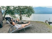 サウナを出てすぐ湖でクールダウン!移動式で楽しむ「Mobile SAUNA」が登場
