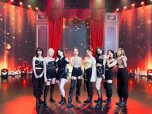TWICE、話題の新曲フルパフォーマンスで48万人魅了 日本3rdアルバム発売記念イベント配信