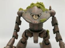 まるで『ラピュタ』の世界観…ガンプラで表現した心優しきロボット兵 「尊い命に花をたむけて弔う姿をイメージ」