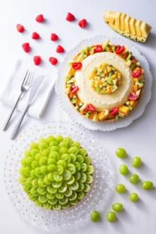 どちらも食べたい!シャインマスカットとトロピカルフルーツ。白井屋ザ・パティスリーの8月限定タルトに注目