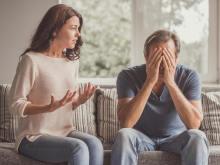 何気なくやりがち…男性が「おばさんっぽい」と感じる女性の言動とは?