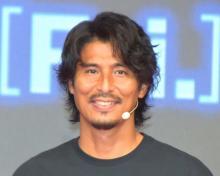 中澤佑二、吹き替え声優オファーを3回確認「ホントに?と」 フリースローゲームにヘディングで挑戦