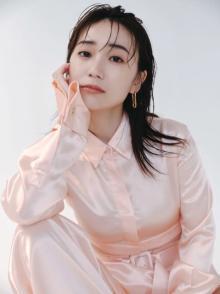 大島優子、美くびれあらわな肌見せショット「ウエスト細~い」「ますます色っぽく」