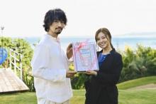 白石麻衣29歳の誕生日を斎藤工ら祝福「撮影中に誕生日を迎えられてうれしい」