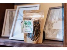 廃棄されるアスパラガスの茎を原料にした『翠茎茶 -ROASTED ASPARAGUS TEA-』が登場